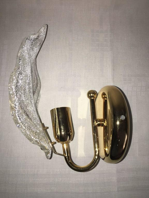 Pair of Leaf Murano Glass Wall Sconces In Good Condition For Sale In Frisco, TX