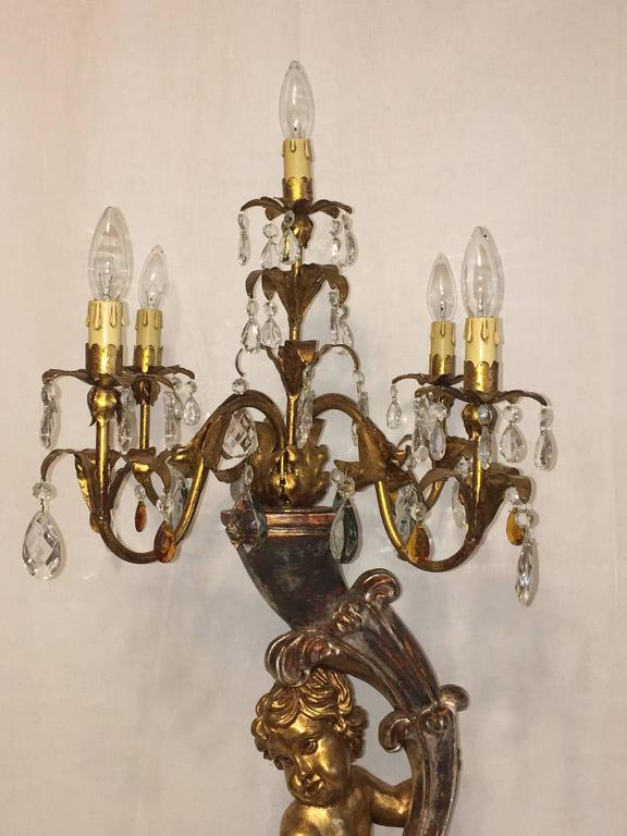 Italian Hollywood Regency Style Cherub Angel Gilded Wood and Crystal Prism Table Lamp For Sale