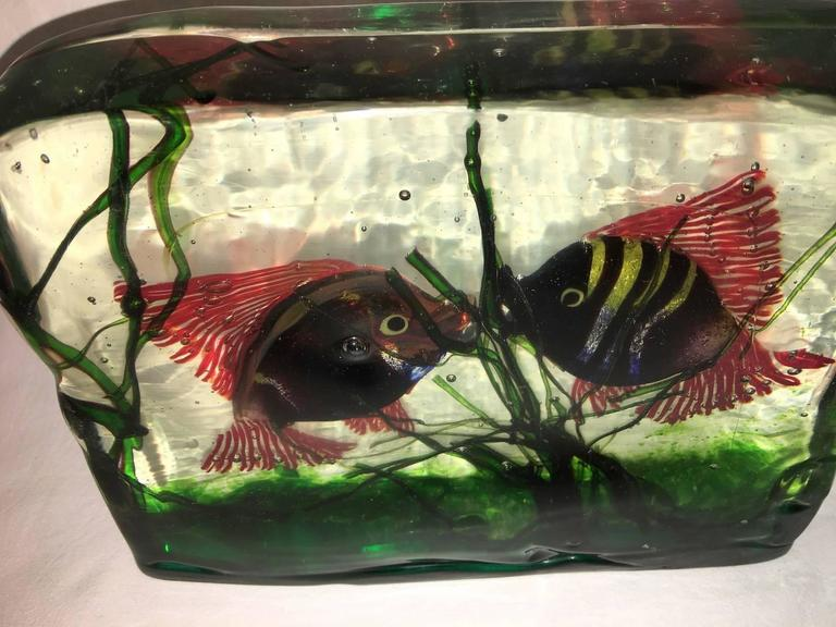 Large Murano Glass Aquarium Kissing Fish in Gino Cenedese Style In Good Condition For Sale In Frisco, TX