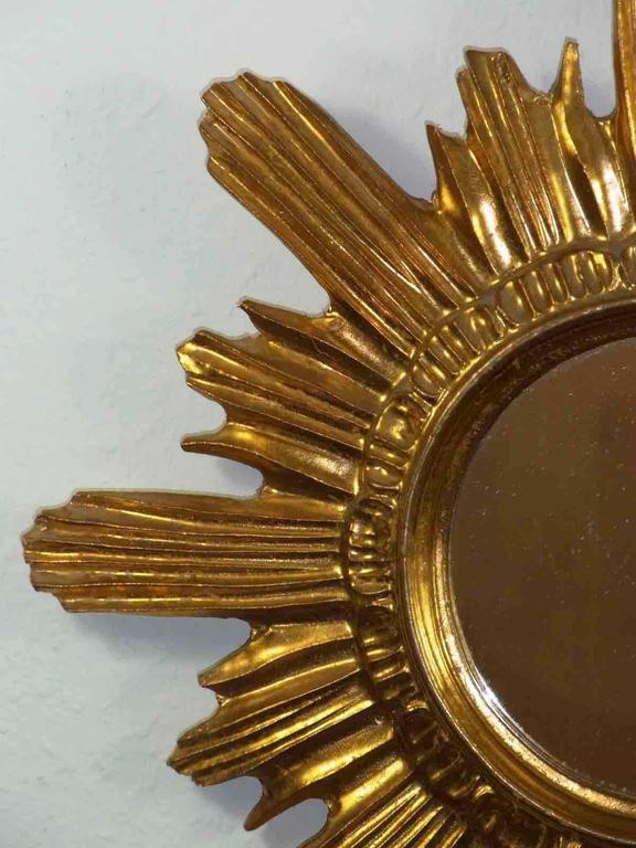 Starburst Sunburst Gilded Wood and Composition Mirror, Italy In Good Condition For Sale In Frisco, TX