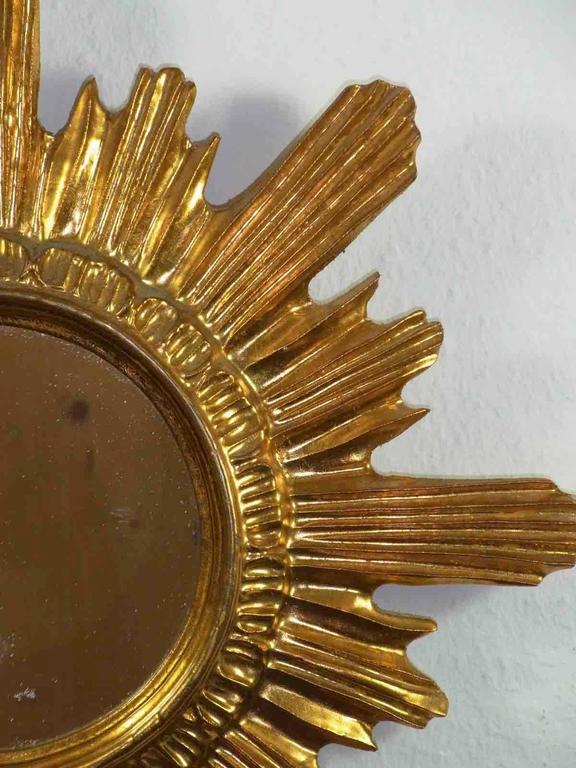 Mid-20th Century Starburst Sunburst Gilded Wood and Composition Mirror, Italy For Sale
