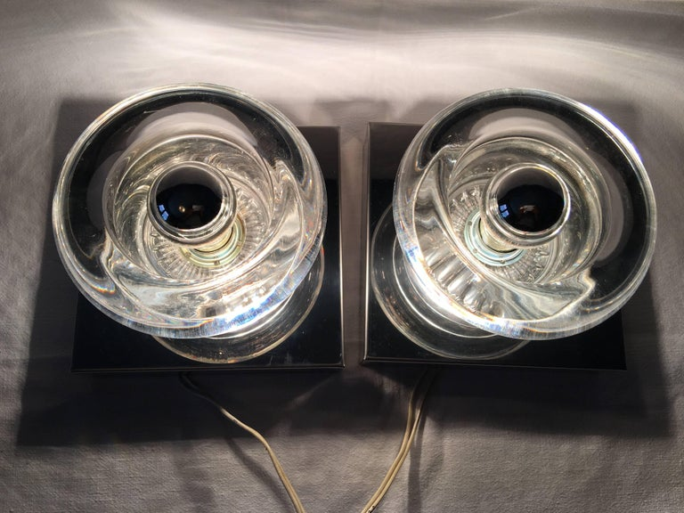 One Pair of Chrome Round Glass Sconces In Good Condition For Sale In Frisco, TX