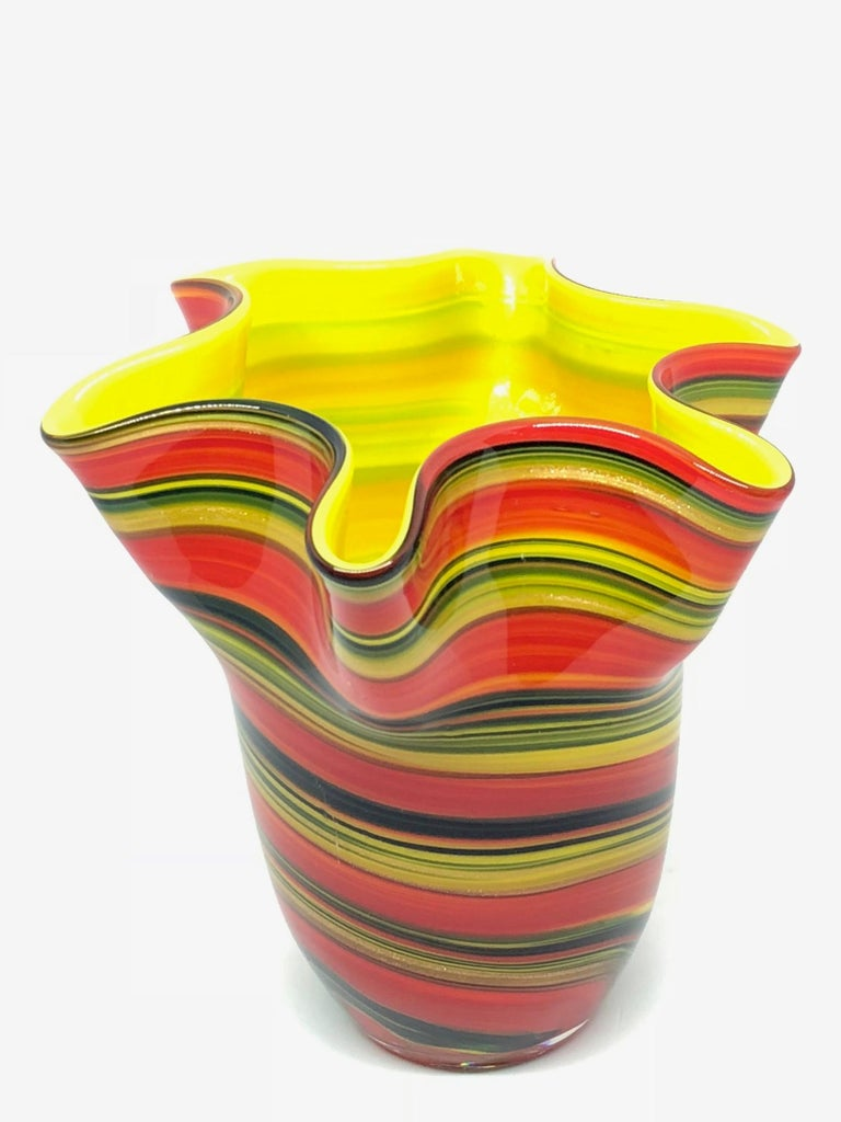 Murano Venetian Glass Vase by Fazzoletto In Good Condition For Sale In Frisco, TX
