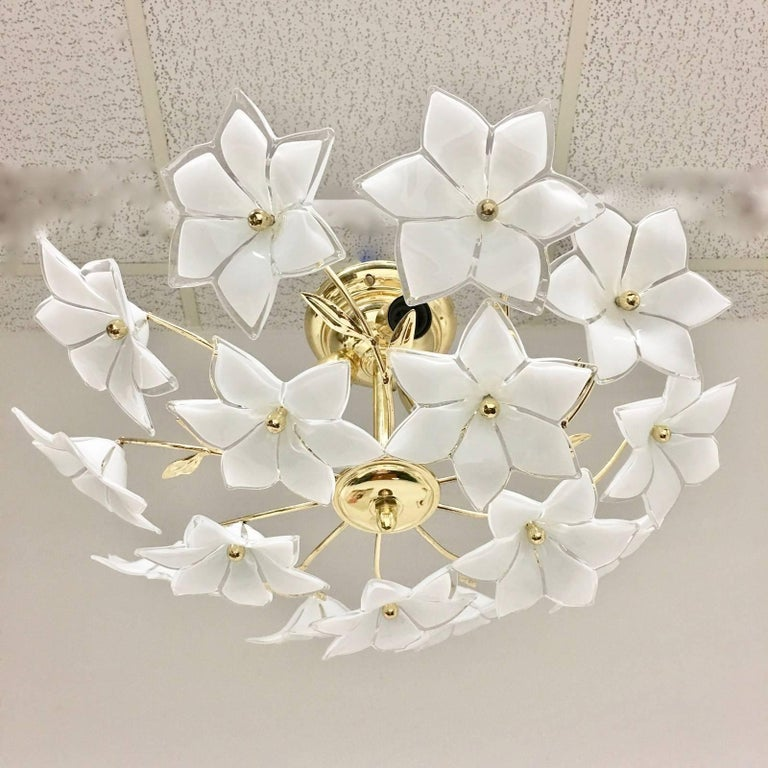 Italian wall light or flush mount with Marano glass flowers. The fixture requires three E14 bulbs up to 40 watt.