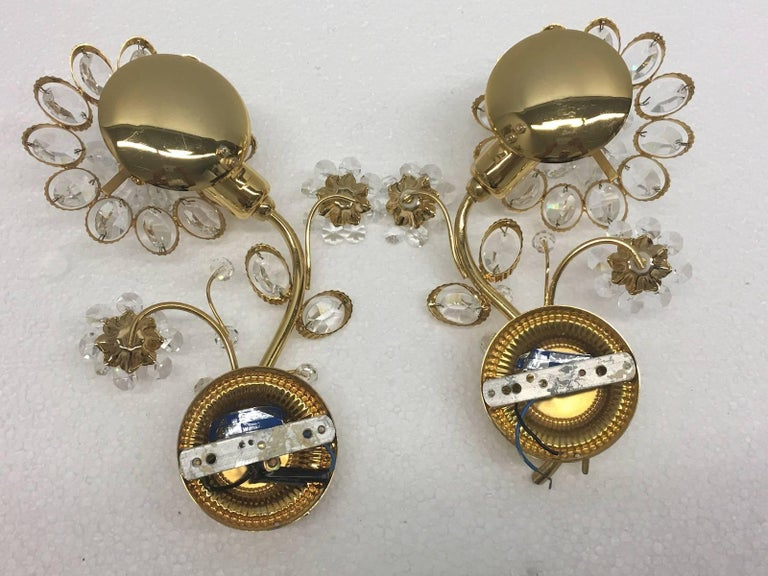 "Pair of Vintage Gold-Plated ""Palwa"" Crystal Flower Sconces In Good Condition For Sale In Frisco, TX"