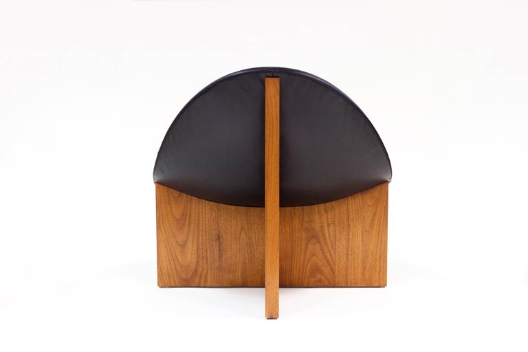 Nido Lounge Chair in Solid Walnut and Black Leather Seat by Estudio Persona In New Condition For Sale In Los Angeles, CA