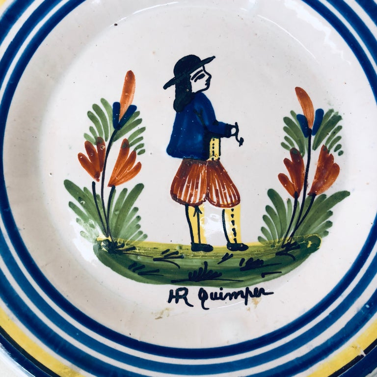 French faience Quimper plate signed Henriot Quimper, circa 1920.