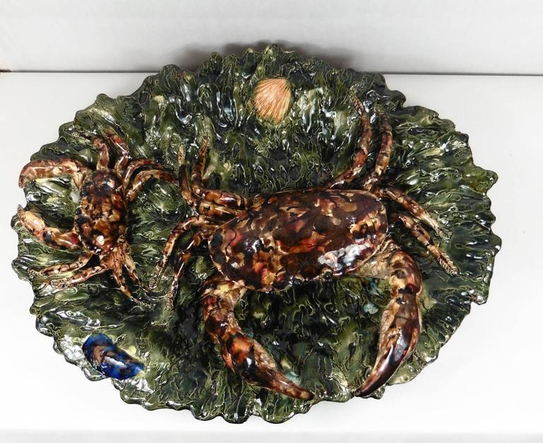 19th century Palissy crabs wall platter signed Alfred Renoleau dated 1891-1894. The crabs are in high relief on a green seaweeds background. Reference/Page 179