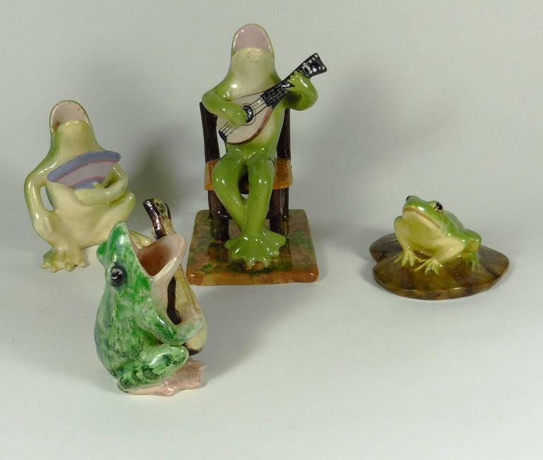 Early 20th Century Majolica Frog with Fan Jerome Massier, circa 1900 For Sale