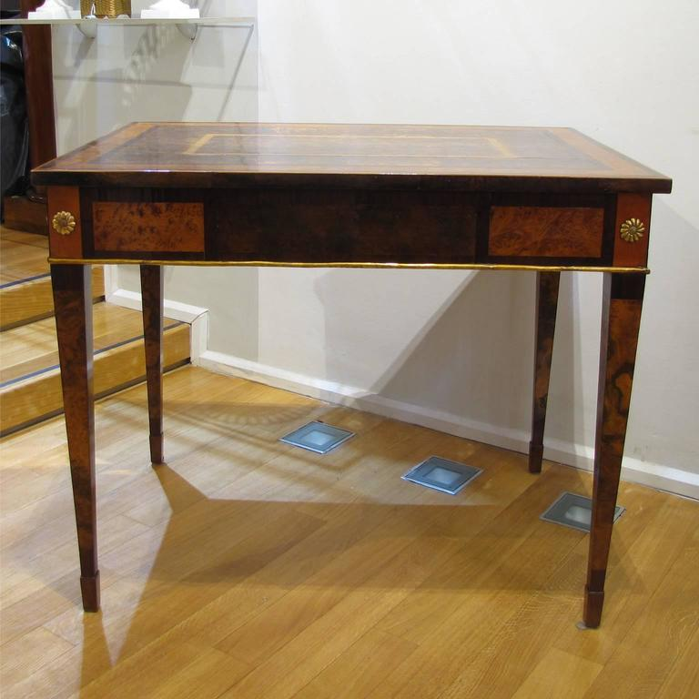 Italian Late 18th Century Louis XVI Desk in Palisander, Walnut and Olive Wood For Sale 1