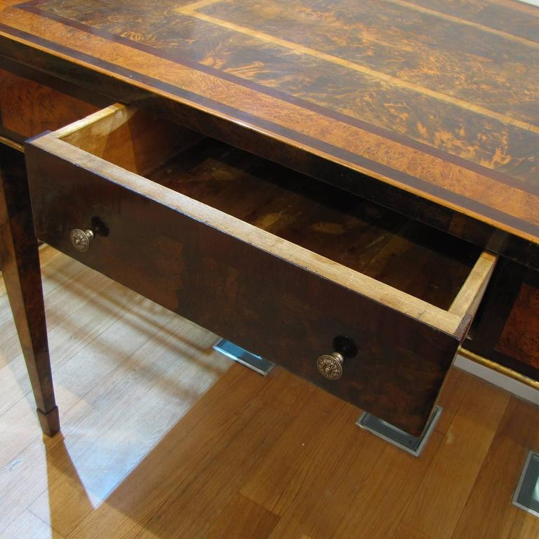Italian Late 18th Century Louis XVI Desk in Palisander, Walnut and Olive Wood For Sale 4