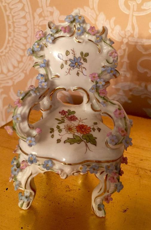 Collection of Meissen miniatures with applied floral work, hand-painted motifs six pieces.