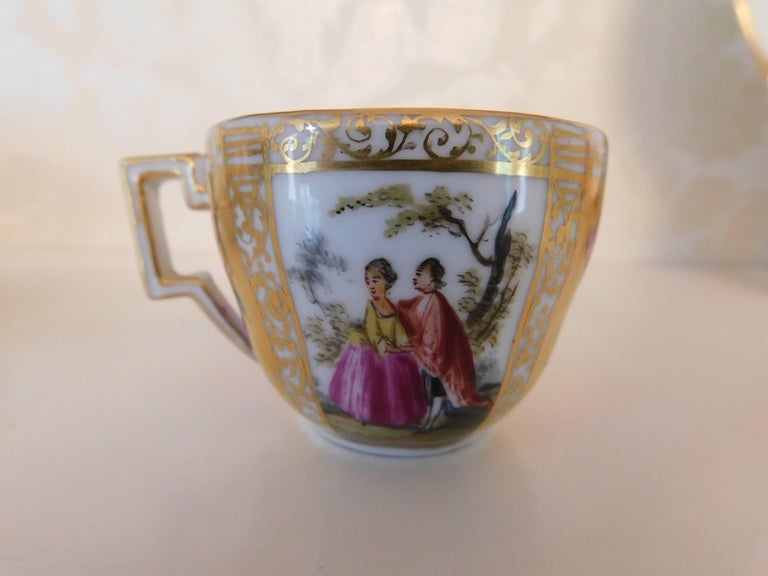 Early 18th Century Antique Meissen Porcelain Miniature Cup and Saucer For Sale 1