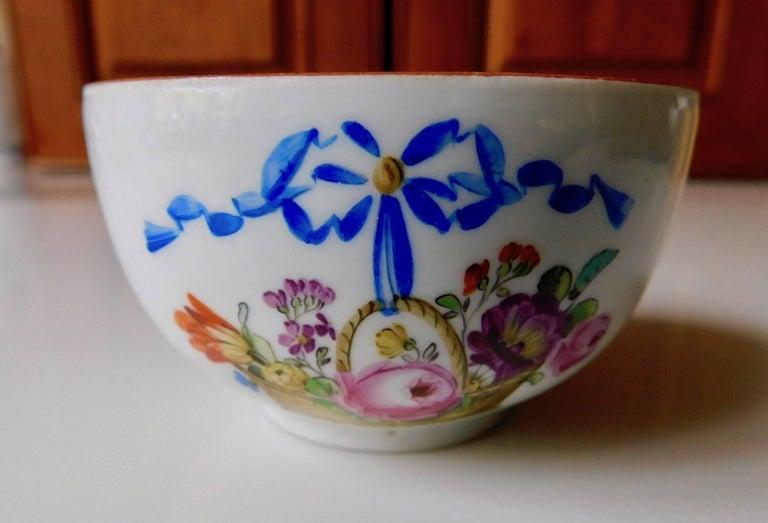 Antique 18th century Meissen Porcelain cup. Floral basket scene.