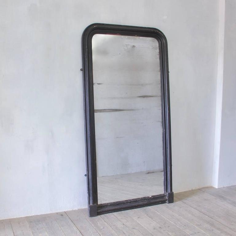 Large and Handsome 19th Century Ebonized Dressing Mirror with Original Glass In Good Condition For Sale In Stamford, GB