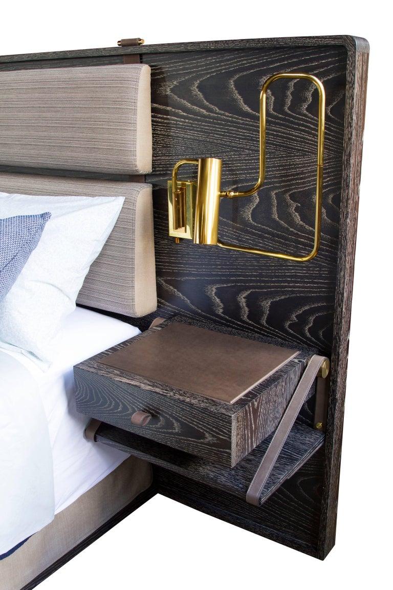 Marlton Bett mit gepolstertem Kopfteil, Lederriemen und Beistelltische 4