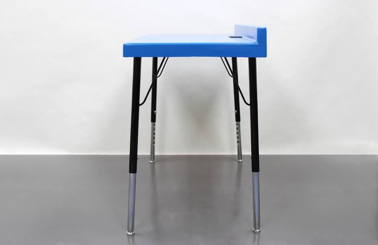 Mid-Century Modern 104 Desk in Fiberglass with Powder Coated Steel Legs and Grommet For Sale