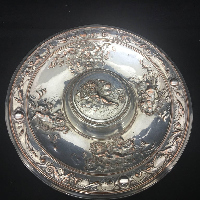 Amazing silver plated inkwell by T. Elkington, marked on the bottom, good conditions overall, original glass.