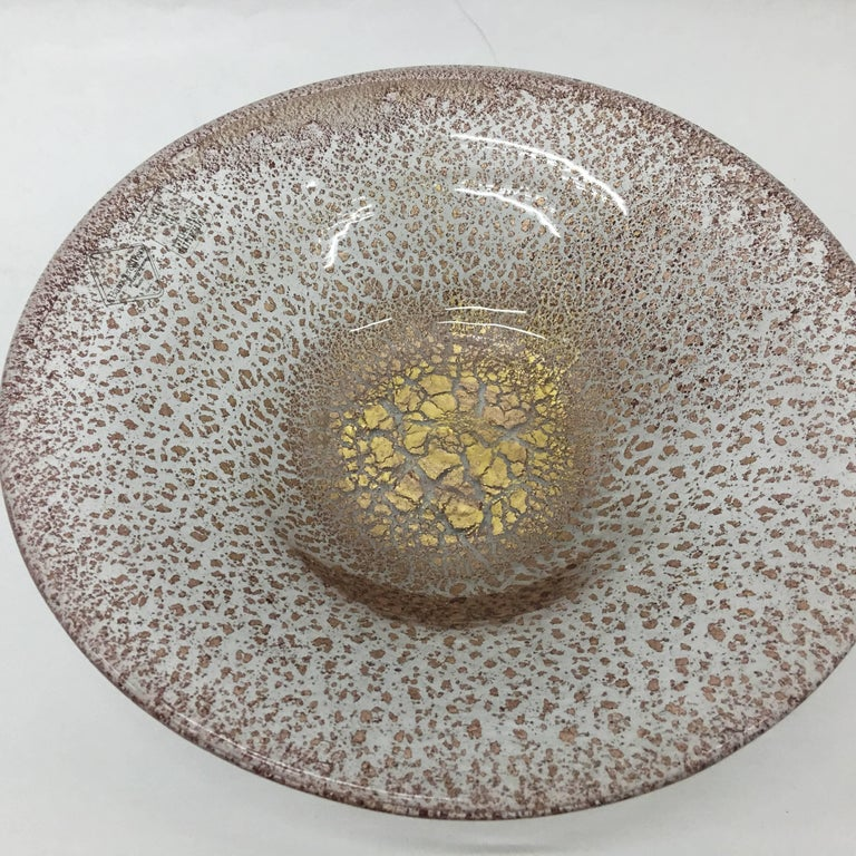 Pink Murano glass plate with pure gold inside made and signed by Barovier e Toso in the heighties.