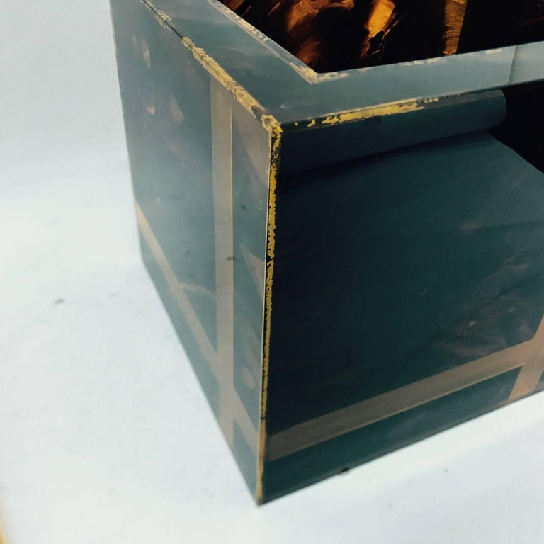 Mid-Century Modern Vintage Plexiglass Squared Ice Bucket, Made in Italy, circa 1970 For Sale
