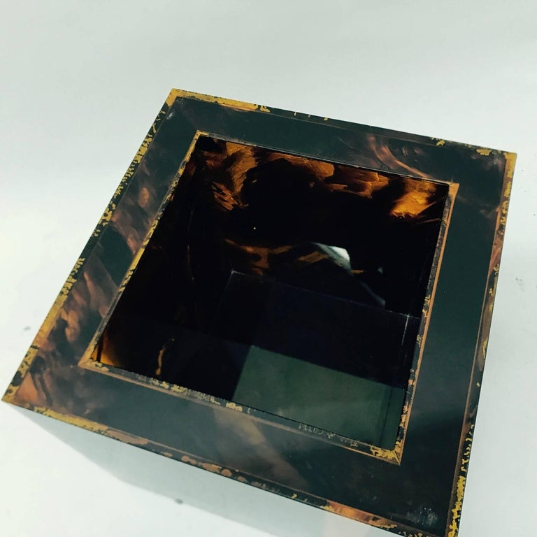 Vintage Plexiglass Squared Ice Bucket, Made in Italy, circa 1970 For Sale 2