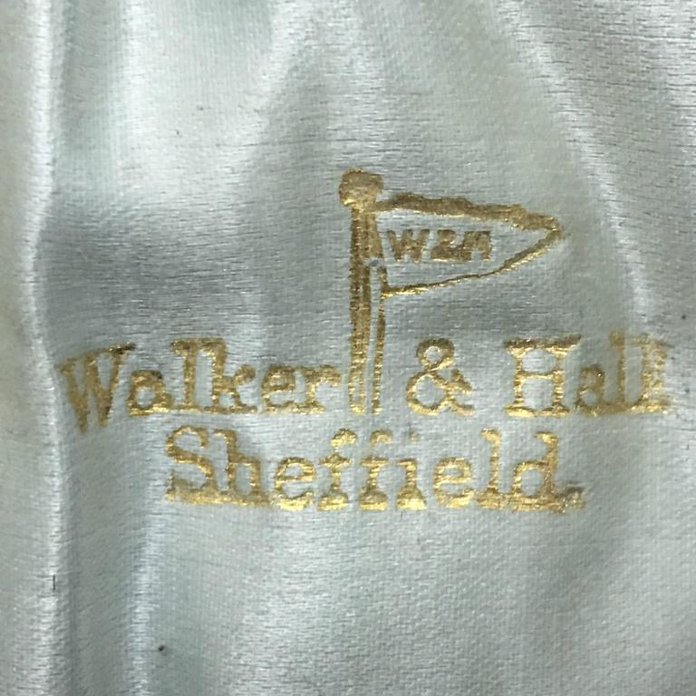 Walker & Hall Three English Victorian Silver Plate Spoons in a Box For Sale 3