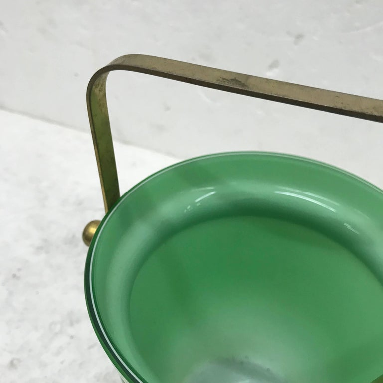 Italian Mid-Century Modern Opaline Ice Bucket In Good Condition For Sale In Aci Castello, IT