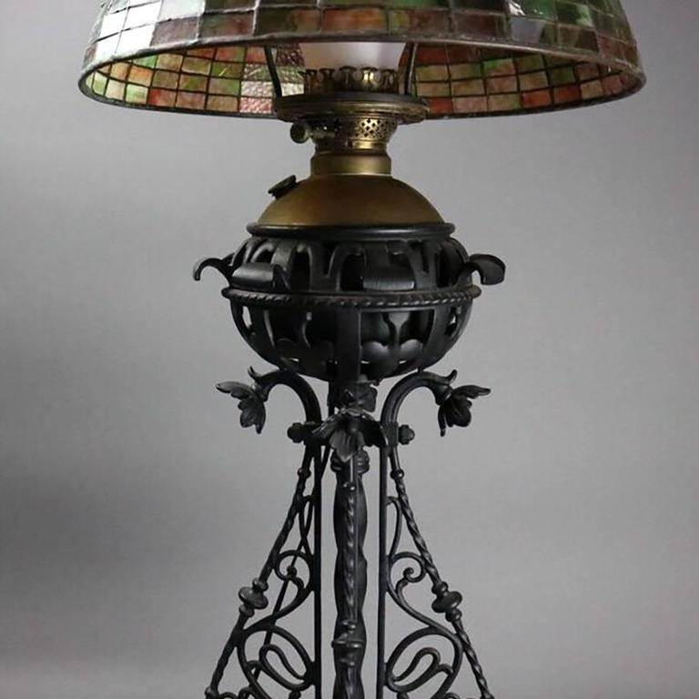 American Arts & Crafts Bradley Hubbard Style Leaded Glass and Iron Table Lamp, circa 1910 For Sale