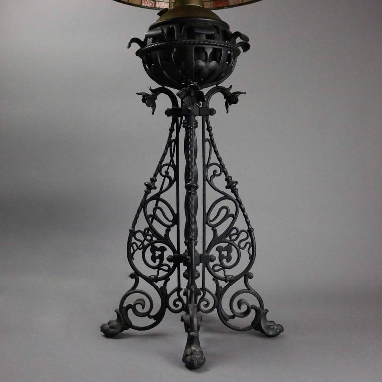 Arts & Crafts Bradley Hubbard Style Leaded Glass and Iron Table Lamp, circa 1910 6