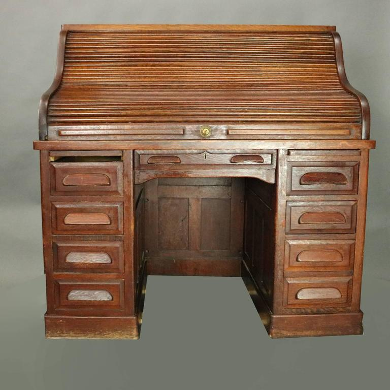 American Antique Standard Furniture Co. Oak Raised Panel Roll Top Desk,  circa 1890 For - Antique Standard Furniture Co. Oak Raised Panel Roll Top Desk, Circa
