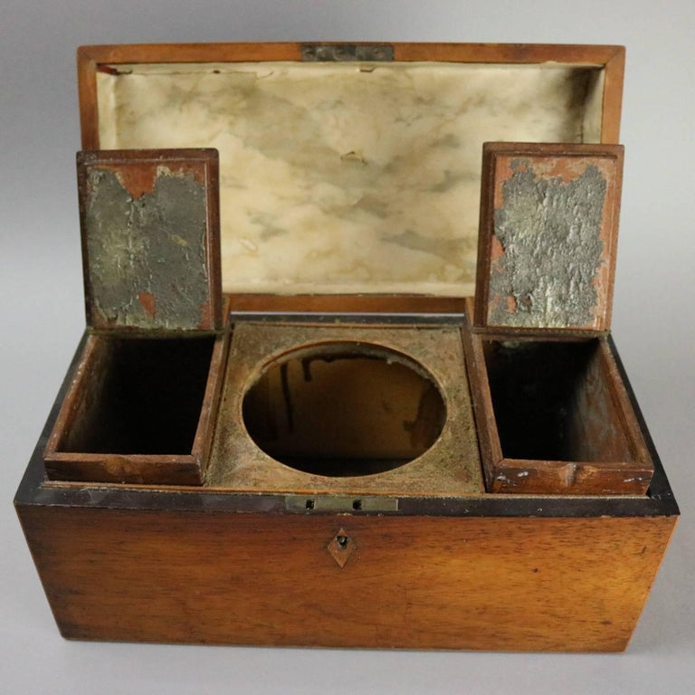 Antique English Georgian Mahogany Tea Caddy, Inlaid Escutcheon, circa 1870 For Sale 1