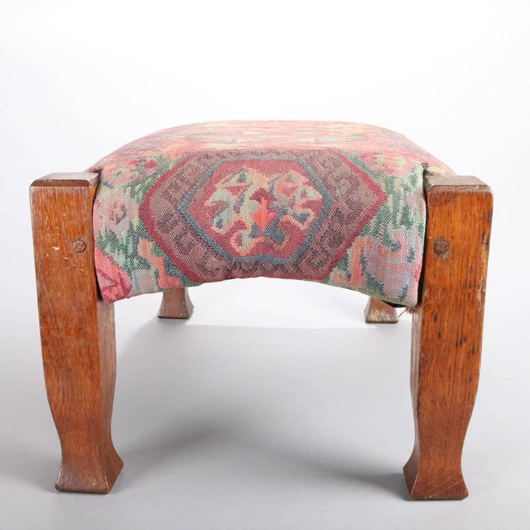 Antique Arts & Crafts Stickley Bros Mission Oak Upholstered Oak Footstool In Good Condition For Sale In Big Flats, NY