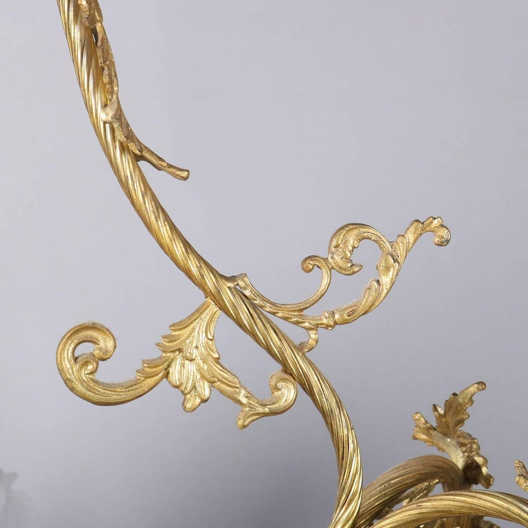 Vintage French Louis XIV Style Nine-Light Gilt Foliate Form Frame, 20th Century In Good Condition For Sale In Big Flats, NY