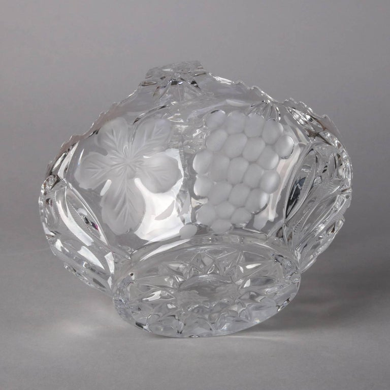 Hawkes School Cut and Etched Grape and Floral Crystal Basket, 20th Century For Sale 3