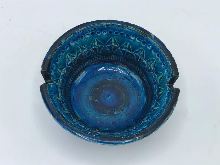 Hand-Crafted 1960s Aldo Londi for Bittossi Rimini Blue Ashtray Dish For Sale