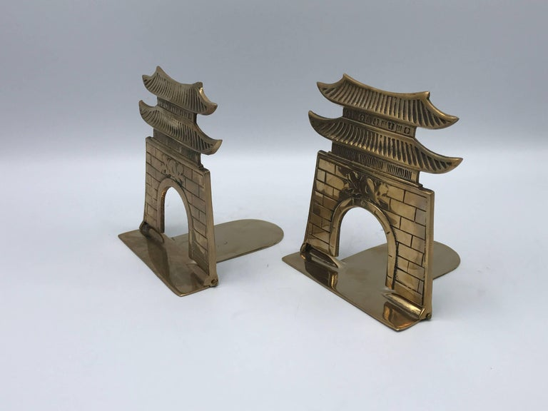 1970s Brass Pagoda Bookends, Pair In Excellent Condition For Sale In Richmond, VA
