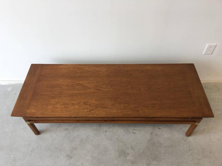 1980s Hickory Hollywood Regency Walnut Coffee Table 7