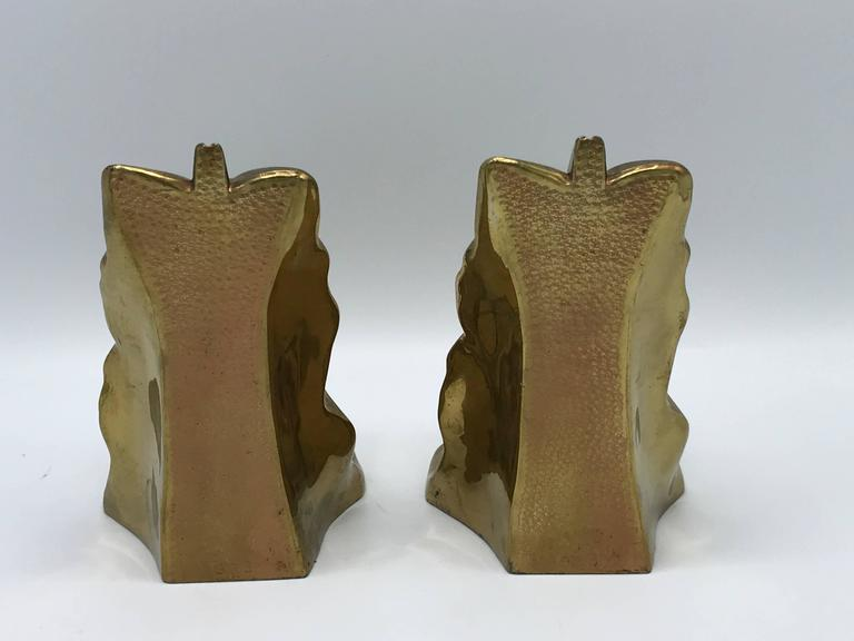 1950s Brass Acanthus Leaf Scroll Bookends, Pair In Excellent Condition For Sale In Richmond, VA