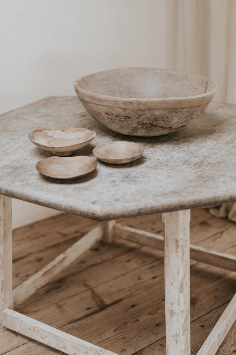 Wonderful patina on this extra large sycamore bowl and 3 skimmers, used in the dairy industry ...  the xl bowl measures 55 cm diameter and is 19 cm high skimmers are  17 cm diameter and 4 cm high 20 cm diameter and 3 cm high 24 cm diameter and