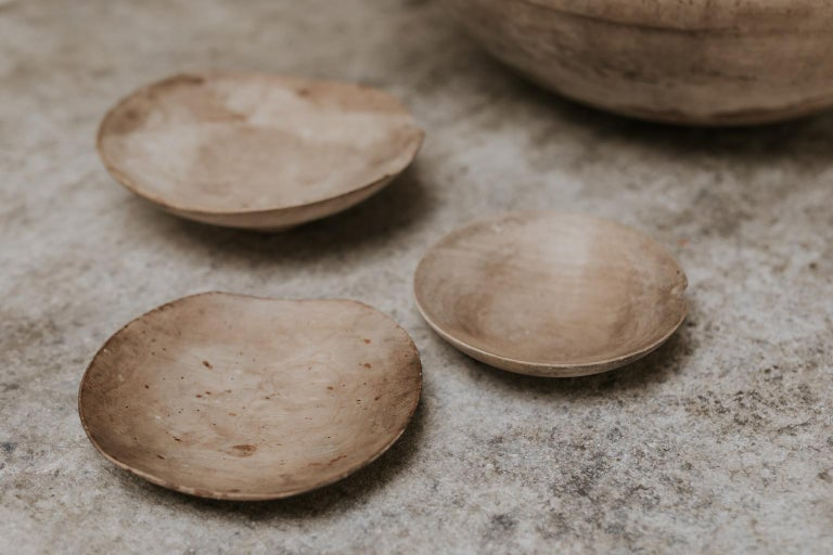 18th Century Sycamore Dairy Bowl and 3 Skimmers For Sale 6