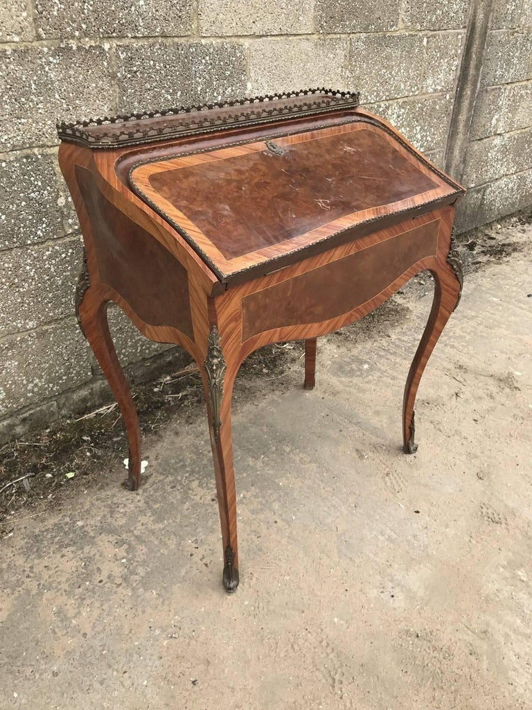 Lovely french antique bureau original desk with bronze for Bureau original