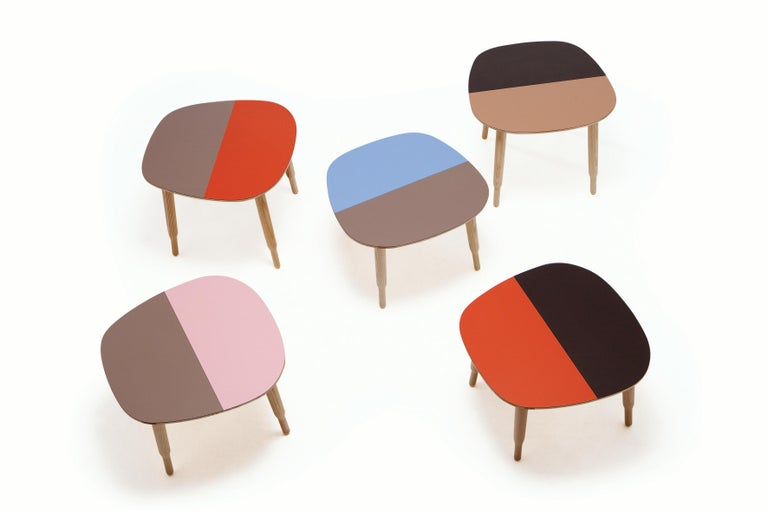 The Bump coffee and side tables complete the Bump collection. Infinite combinations of bi-colored laminate tops and solid ashwood structure.