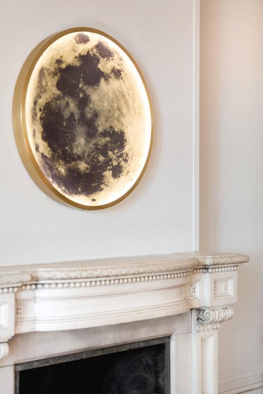 Zeitgenössische Mond-Wandleuchte aus Bronze und Glas 6