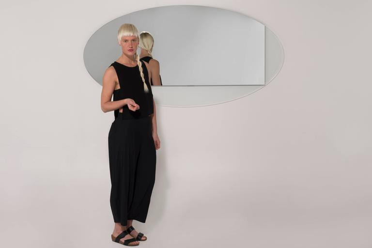 Ida Mirror Collection Contemporary Oval In New Condition For Sale In Providence, RI