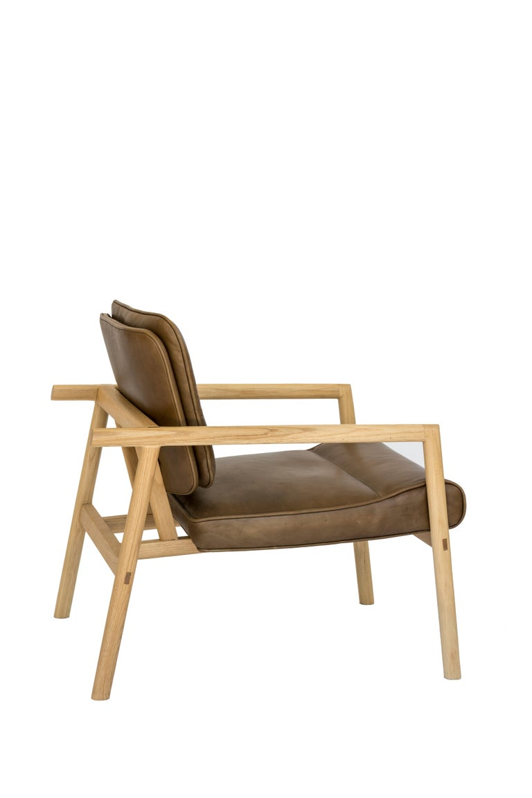 Chris Earl Natural Oak, Olive Leather Moresby Armchair In New Condition For Sale In North Hollywood, CA