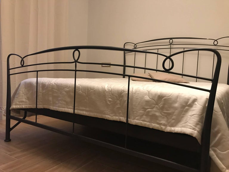 Art Nouveau Italian Cast Iron King-Size Bed Frame At 1stdibs
