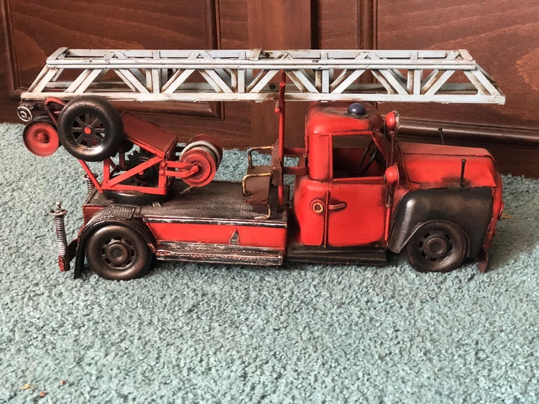 20th Century French Metal Model of a Red Toy Fire Truck In Good Condition For Sale In London, GB