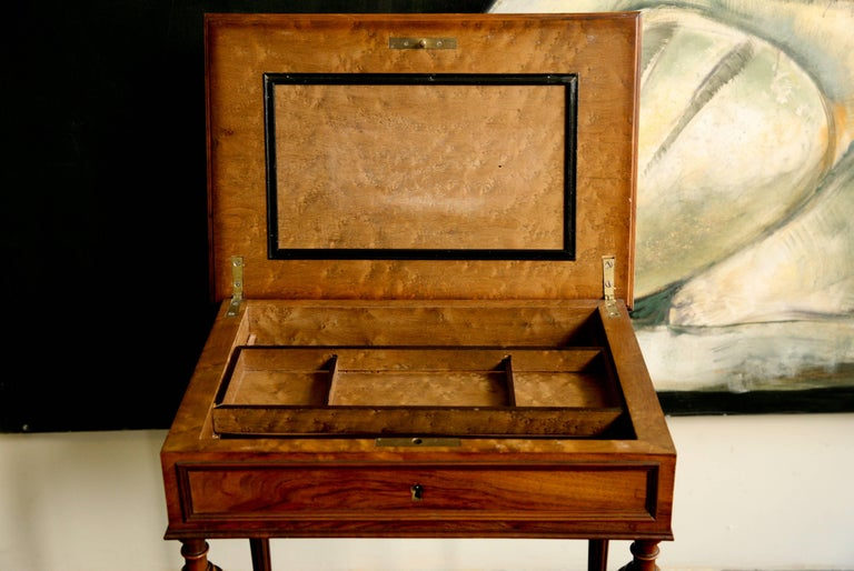 19th Century French Writing Sewing Stand in Bird's-Eye Maple Veneer For Sale 2