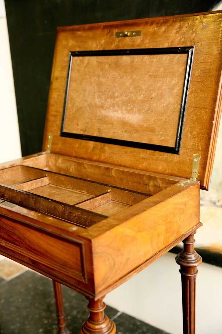 19th Century French Writing Sewing Stand in Bird's-Eye Maple Veneer For Sale 3