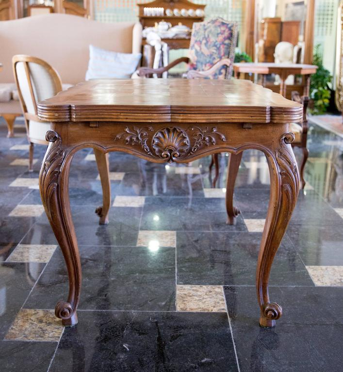 19th Century French Provincial Dining Table In The Style Of Louis Xv